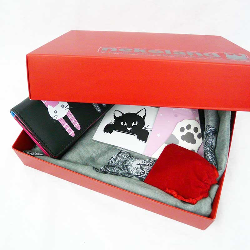 un coffret cadeau original pour femme la box chat. Black Bedroom Furniture Sets. Home Design Ideas