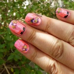 Nail Art avec des Fleurs et des Chats pour l'Eté